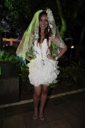 Carol Nakamura em festa julina no Rio (Foto: Isac Luz/ EGO)