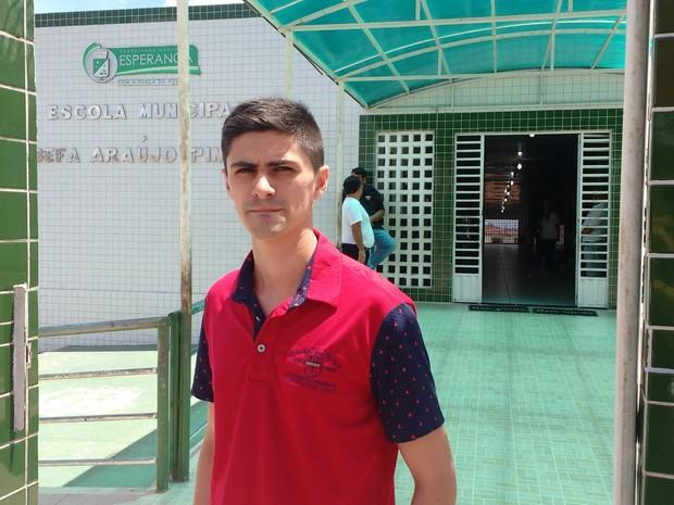 José Eleotério é o único candidato da cidade de Esperança, na Paraíba, nesta segunda aplicação do Enem, neste sábado (3) (Foto: Gustavo Xavier/G1)