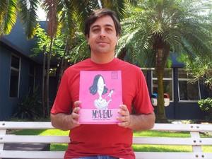 Cordeiro de Sá criou revista em quadrinhos sobre transexual inspirado em história de amigo (Foto: Analídia Ferri/G1)