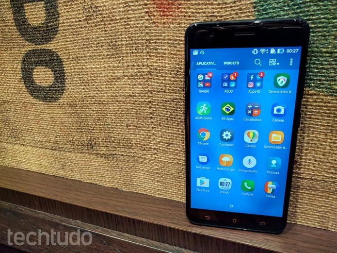 Zenfone 3 Zoom é um celular da Asus focado em fotografia (Foto: Melissa Cruz/TechTudo)