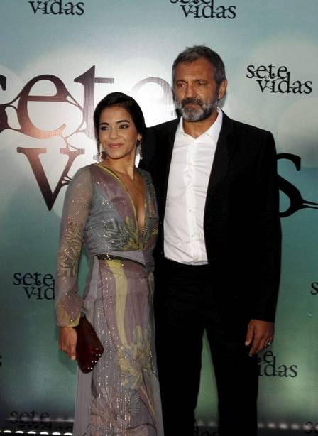 O ator com a mulher, Luciana Lima, na festa de lançamento de Sete vidas, em 2015  (Foto: Marcos Ramos/ Agência O Globo)