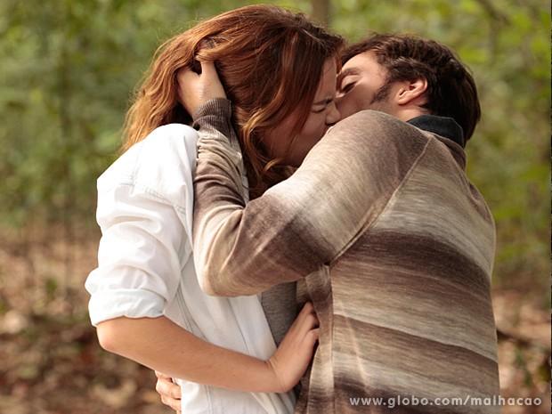 Martin beija Anita à força, e ela reage (Foto: Malhação / TV Globo)