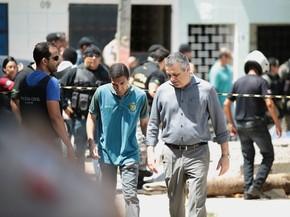 Secretário Alfredo Gaspar lamenta as mortes dos militares (Foto: Jonathan Lins/G1)