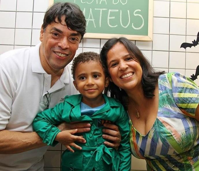 Sérgio e Adriana conheceram Mateus quando ele tinha seis meses de vida (Foto: Arquivo pessoal)