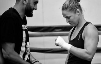 """Para treinador de Ronda Rousey, Bethe """"terá sorte"""" se for finalizada"""