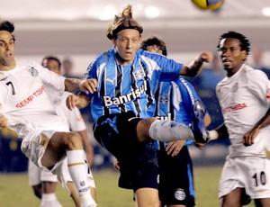Lucas na partida do Grêmio contra o Santos em 2007 (Foto: AFP)