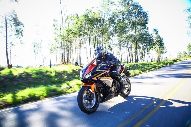 Honda CBR 500R (Foto: Divulgação)