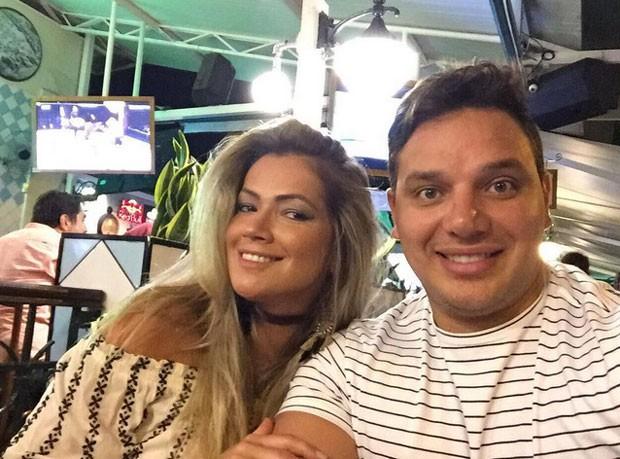 Fani Pacheco e o namorado (Foto: Reprodução)
