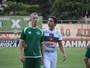 """Raphael A. é consolado por irmão Bruno após jogo: """"Está do meu lado"""""""