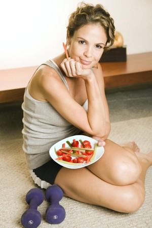 Mulher boa alimentação euatleta (Foto: Getty Images)