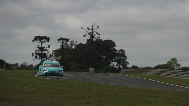 Stock Car - Rubens Barrichello testa o carro em Curitiba antes da estreia (Foto: Gabriel Hamilko / GloboEsporte.com)