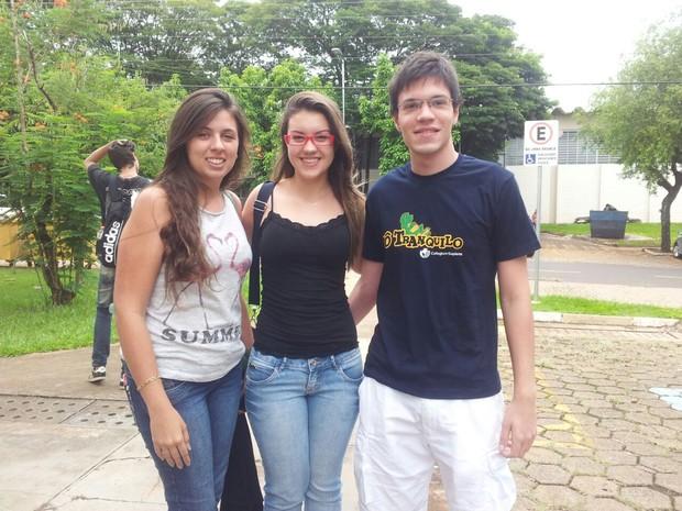 Isabela Garbuio, Vitória Rich de Castro e Nicolas Fondati (Foto: Luana Marques/G1)