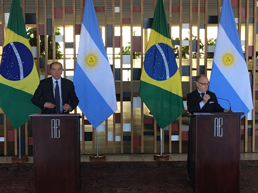 O ministro das Relações Exteriores, Aloysio Nunes, ao lado do chanceler argentino Jorge Faurie (Foto: Gustavo Garcia/G1)