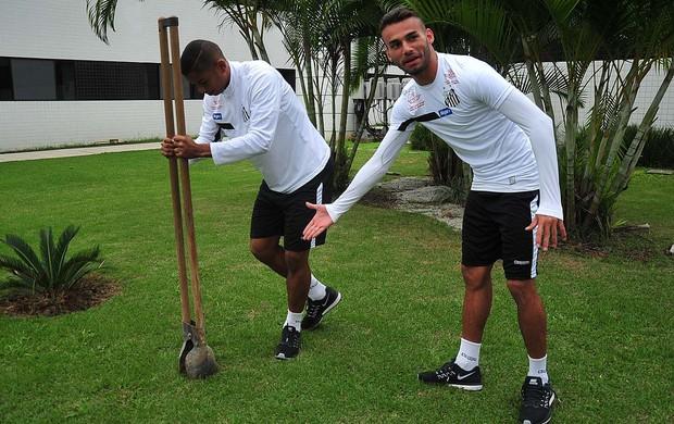 BLOG: Boa ação! David Braz e Thiago Maia plantam mudas de pau-brasil no CT