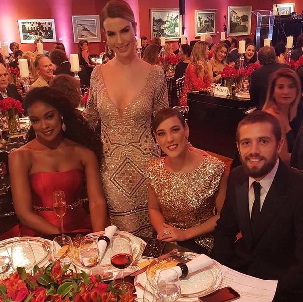 Fernanda Keulla, Cris Vianna, Adriana Birolli e Rafael Cardoso vão ao BrazilFoundation (Foto: Reprodução/Instagram)