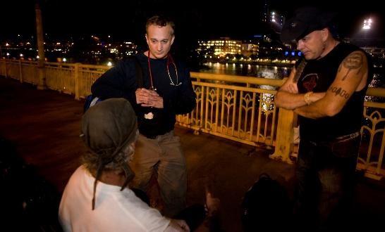 O americano Jim Withers vai às ruas atender desabrigados (Foto: Reprodução/Facebook)