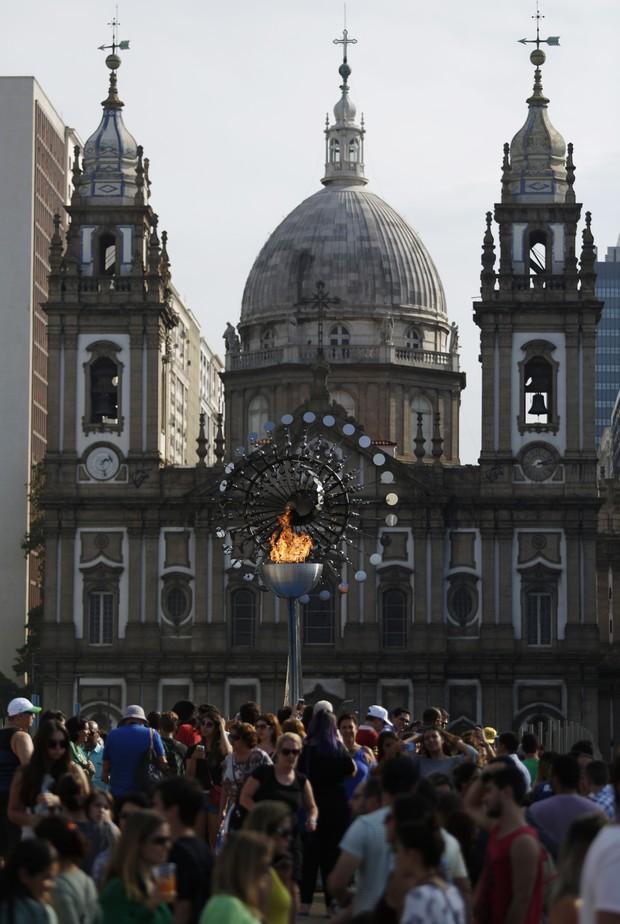 A pira no Boulevard Olímpico (Foto: Marcos Serra Lima/EGO)