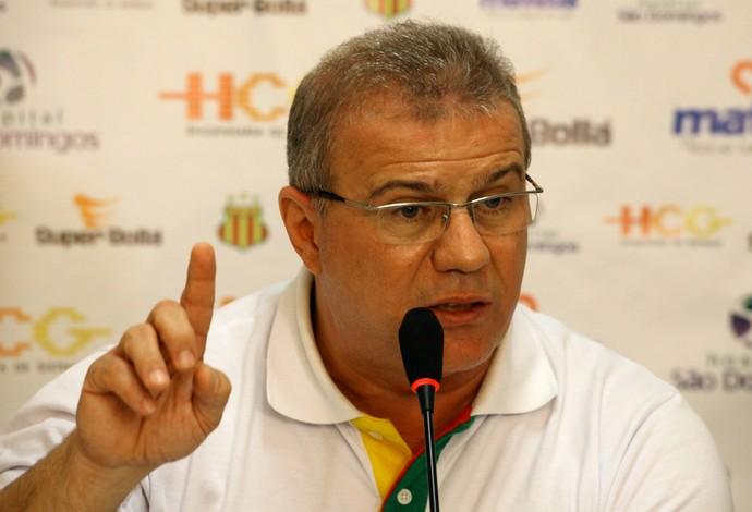 Presidente do Sampaio, Sérgio Frota, negocia com atacante de renome nacional (Foto: Biné Morais/O Estado)