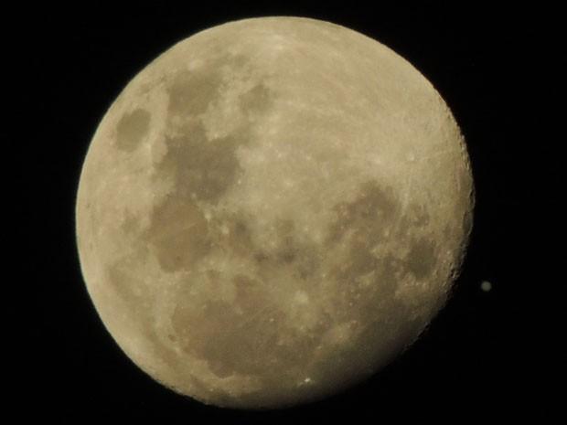 Lua vista em Santos, SP (Foto: Marcos Vinicius dos Santos/Arquivo Pessoal)