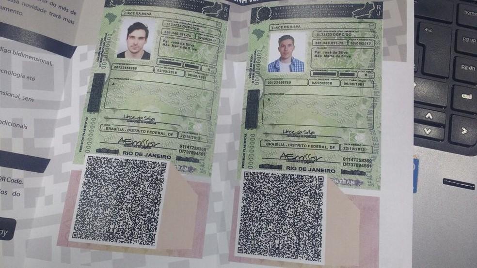 Novo modelo de carteira de habilitação, que virá com QR-Code  (Foto: Elielton Lopes/G1)