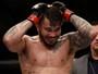 Erick Silva lamenta interrupção do árbitro e deseja revanche contra Yancy