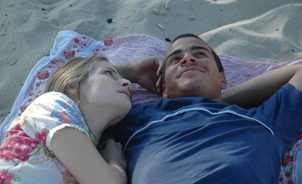 Thiago Martins e Vitória Frate são os protagonistas de 'Era Uma Vez' (Foto: Divulgação / Reprodução)
