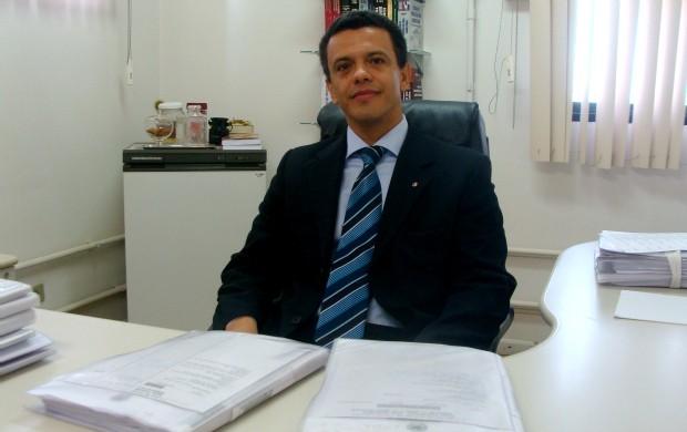 Juiz corintiano Márcio Alexandre da Silva (Foto: Hélder Rafael/GLOBOESPORTE.COM)