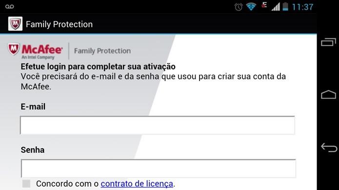 Para utilizar o McaFee Family Protection é preciso realizar um cadastro (Foto: Reprodução / Dario Coutinho)