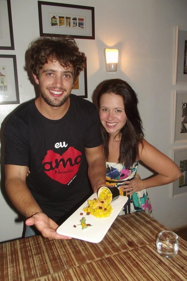 Rafael Cardoso casa com Mariana Bridi  (Foto: Reprodução/Blog Viver Noronha)