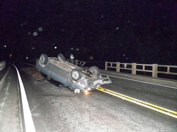Jovem foi arremessado de ponte após acidente em Carlos Barbosa (Foto: Altamir Oliveira/Divulgação)