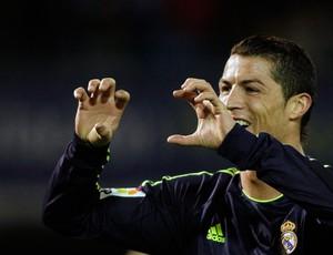 Cristiano Ronaldo comemora gol do Real Madrid sobre o Celta (Foto: Reuters)