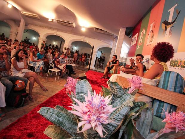 Flica tem mesa entre Sapphire e Lívia Natália (Foto: Egi Santana/Flica)