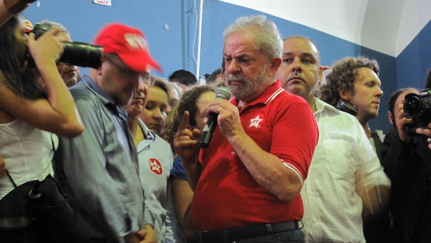 lula no sindicato dos bancários. (Foto: Rogério Cassimiro/ Época)