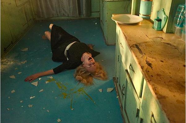 A atriz Nicole Kidman em um ensaio sobre horror para a New York Timez Magazine (Foto: Instagram)