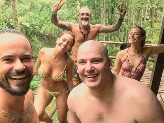 Paulo Vilhena, Amanda Beraldi, Rogério Gomes, Paolla Oliveira e Marcelo Arruda (Foto: Reprodução/Instagram)
