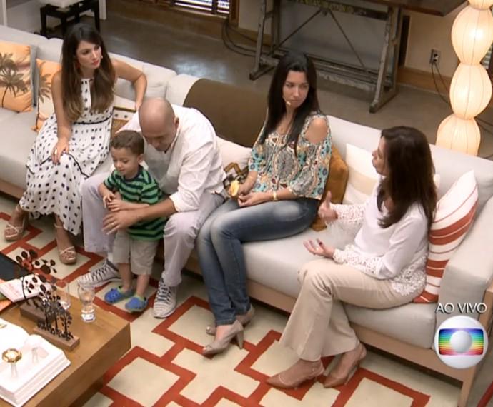 'É de casa' discute pais superprotetores (Foto: TV Globo)