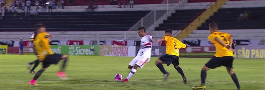 São Paulo x Cruzeiro-DF - Copa SP de Futebol Júnior 2018 ... a6e0287cd9f75
