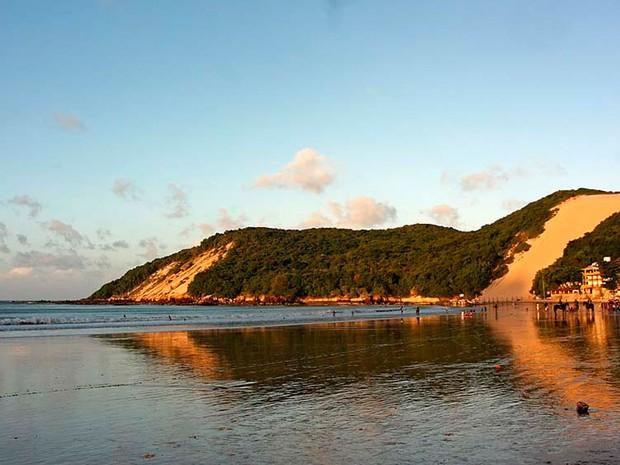 Morro do Careca, na praia de Ponta Negra, com seus mais de 100 metros de altura (Foto: Canindé Soares)