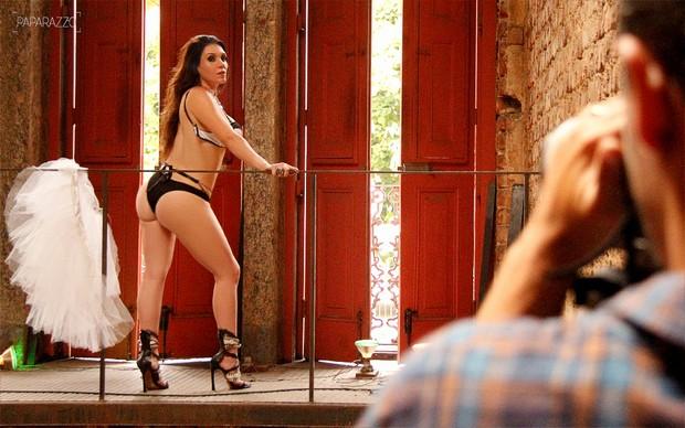 Making of Simony posa para o Paparazzo (Foto: Mariana Gibara / Paparazzo)