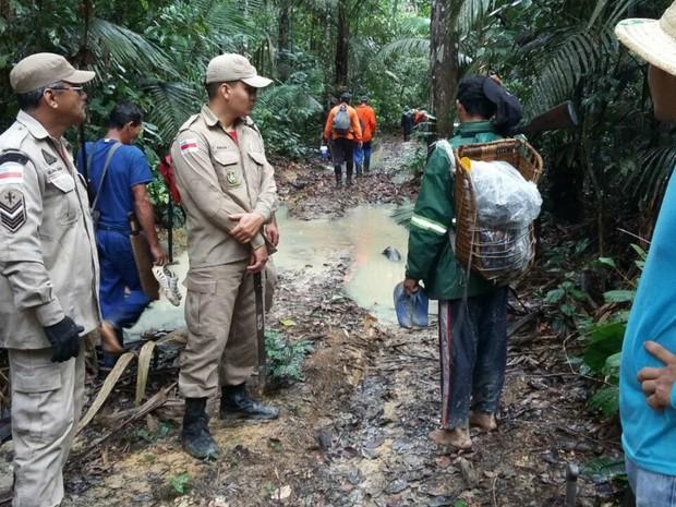 Bombeiros fazem buscas por homem sumdio (Foto: Corpo Bombeiros/Divulgação)