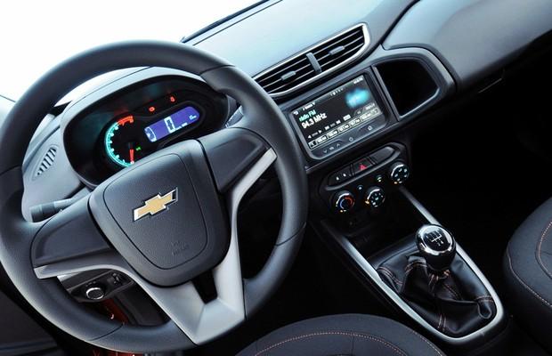 Chevrolet Onix 14 (Foto: Chevrolet Onix LTZ 1.4 Flex)