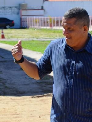 Givanildo quer a vitória de presente  (Foto: Felipe Martins/GLOBOESPORTE.COM)