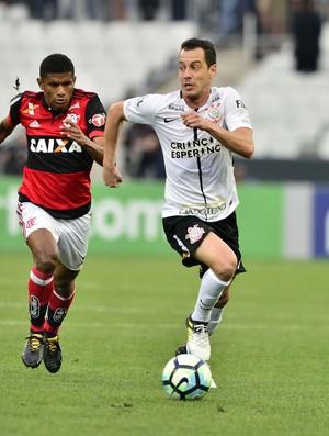 Corinthians x Flamengo - Rodriguinho e Márcio Araújo