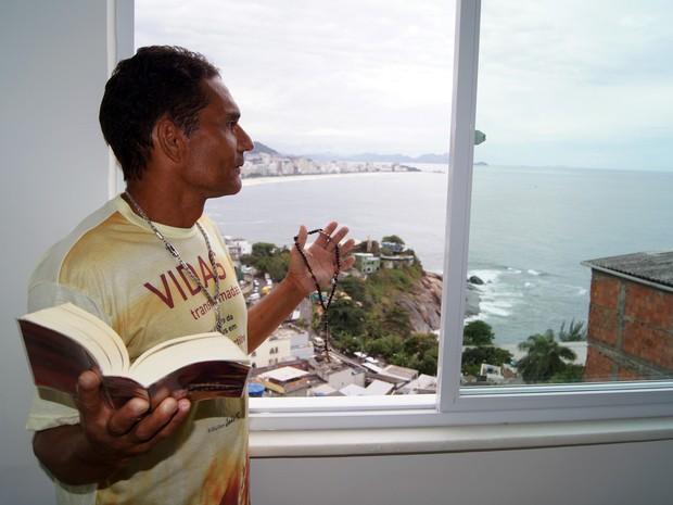 José Carlos da Silva em sua casa no Morro do Vidigal, Rio de Janeiro (Foto: Tássia Thum/G1)