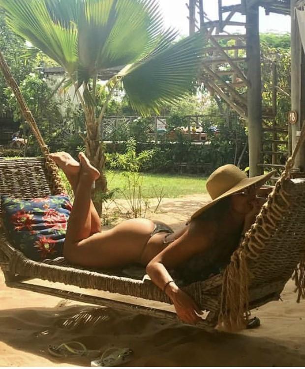 A atriz Juliana Paes relaxa em Jericoacoara, no Ceará  (Foto: Reprodução Instagram)