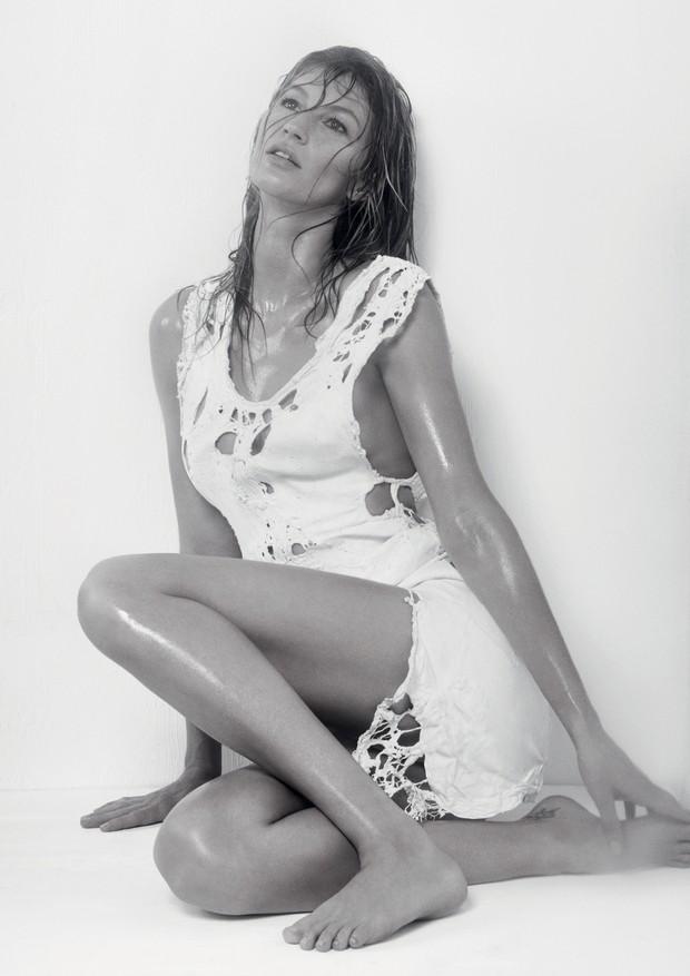 Óleos essenciais do tempo da vovó estão novamente em alta  (Foto: Zee Nunes/Arquivo Vogue)