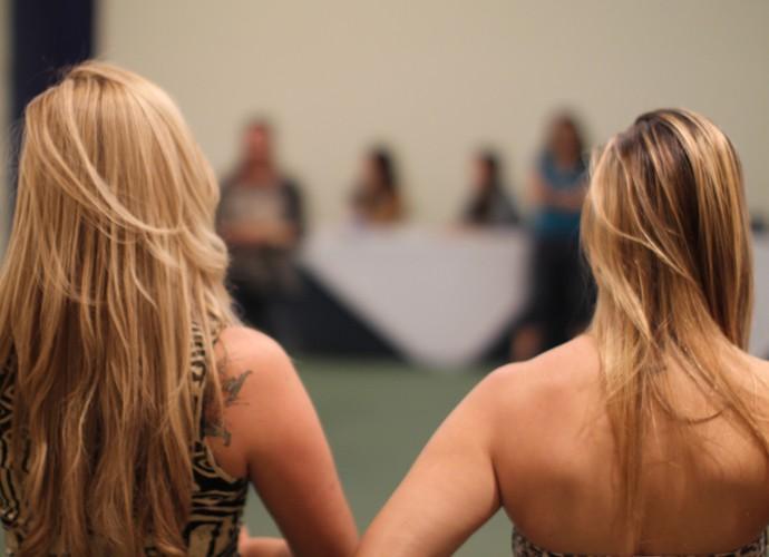 Candidatas a sisters se concentram para atividade na seletiva de Natal (Foto: Gshow)