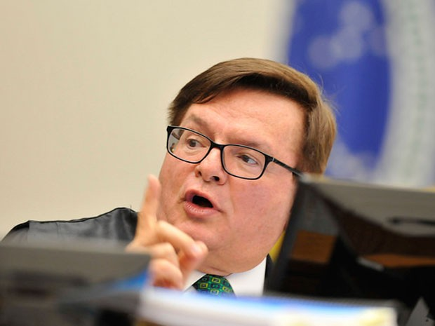 O ministro Herman Benjamin em sessão da corte especial do STJ, em 3 de agosto (Foto: Sérgio Amaral/STJ)