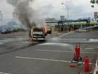 Fogo destrói Kombi usada por grupo para levar comida a moradores de rua