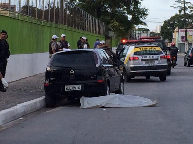 Edvaldo dos Santos, 31, foi atropelado após deixar a esposa e os filhos na sede do bolsa família (Foto: Paula Nunes/G1)